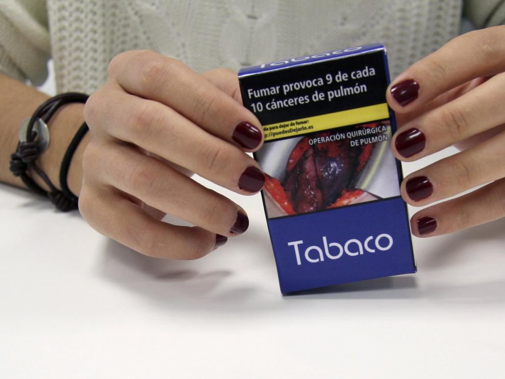 Las advertencias antitabaco toman las cajetillas.