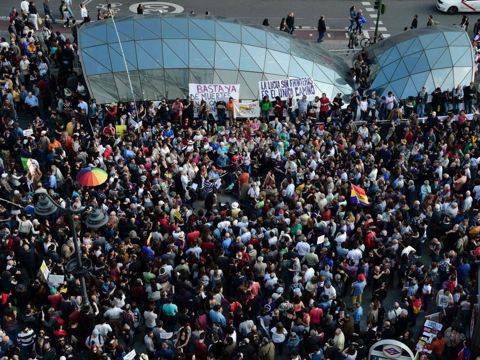 """os indignados llegan a la Puerta del Sol de Madrid, donde tendrá lugar una asamblea con la participación de las siete marchas de """"indignados"""""""