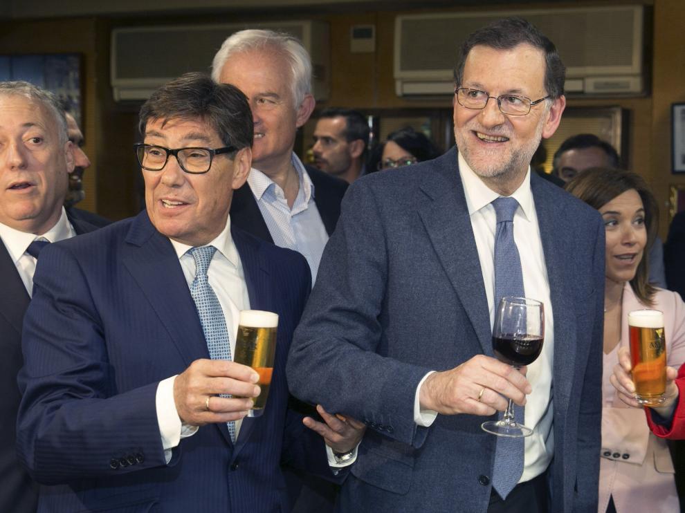Rajoy, de vermú por el Tubo