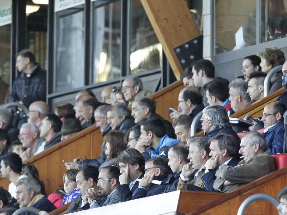 Vista del palco de Los Pajaritos durante el Numancia-Real Zaragoza del pasado sábado. Lapetra estaba en primera fila, Cuartero en la zona más alta junto a Juliá.
