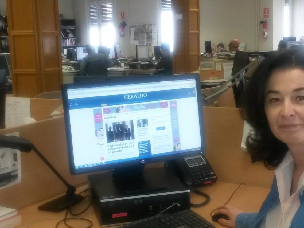 Olga Lázaro, en la redacción de Heraldo.es.
