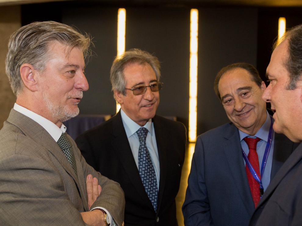 Reunión con motivo del 40 aniversario de la Lonja de Zaragoza.