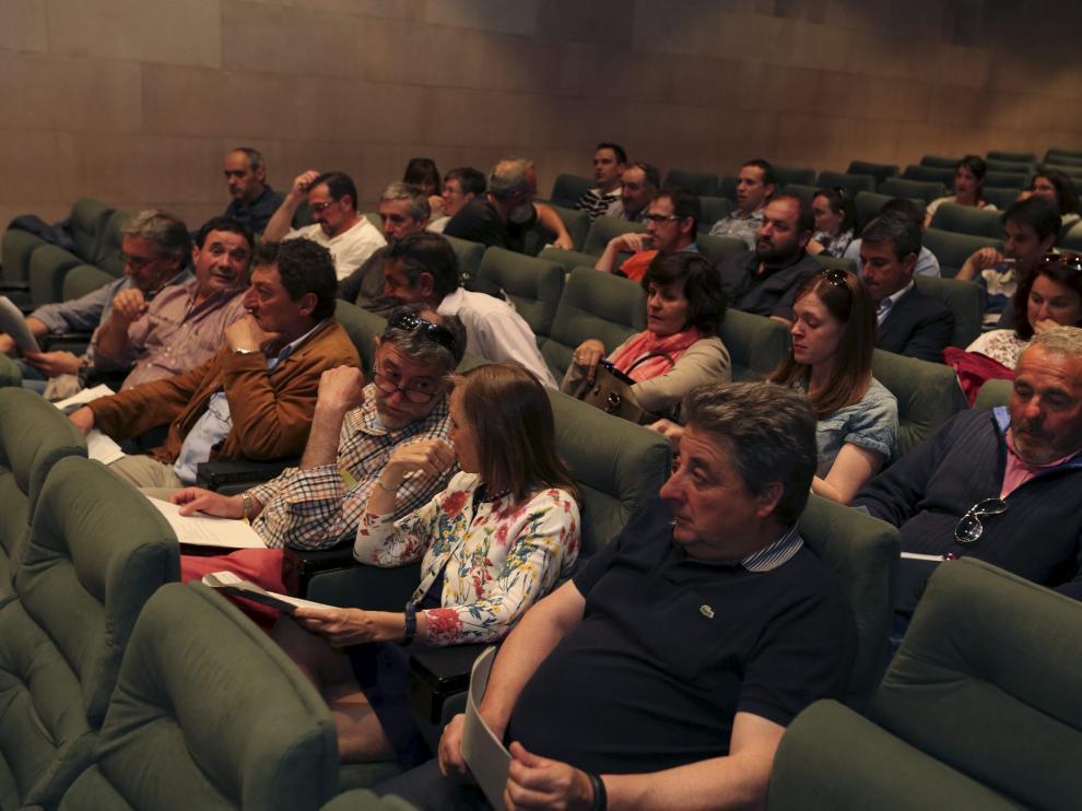 La asamblea se celebró en el salón de actos de la Diputación de Huesca.