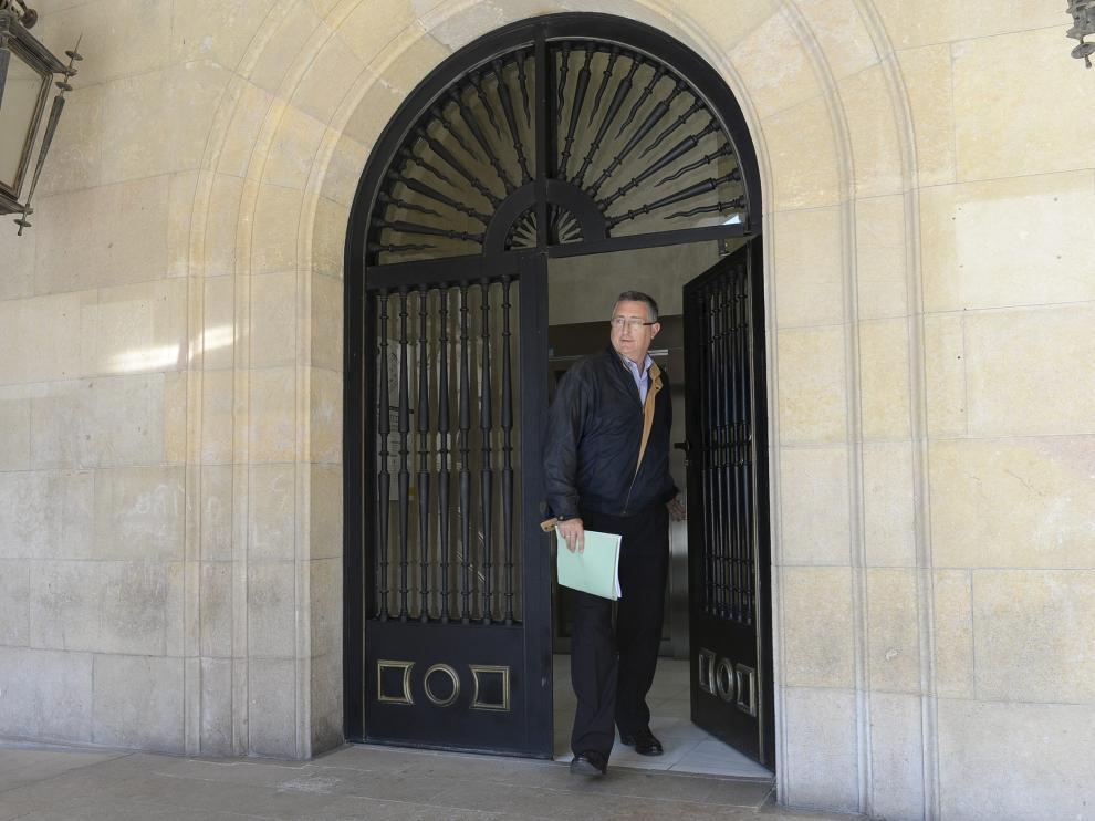 Blasco, a su salida de los juzgados, donde declaró ante el fiscal por espacio de dos horas.