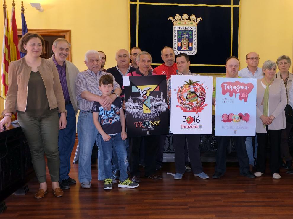 Entrega de premios en el Ayuntamiento de Tarazona, de izquierda a derecha segundo, primer y tercer premio