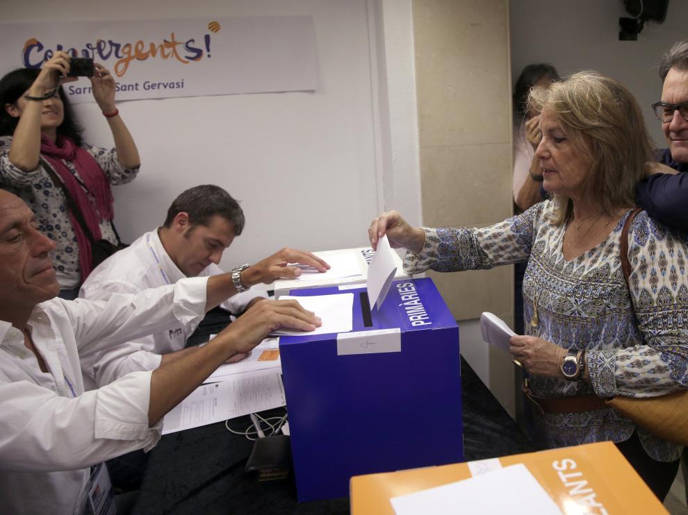 Momento en el que Artus Mas fue a votar.