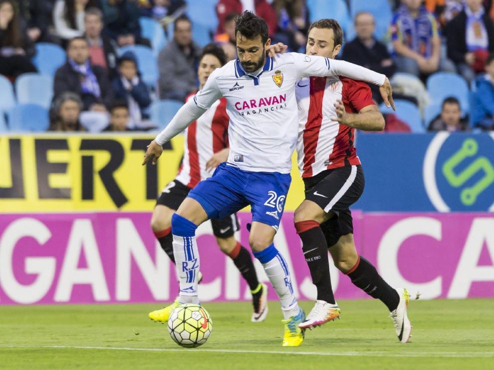 Guitián, en el partido ante el Bilbao Athletic, ha sido el último zaragocista castigado por acumulación de cinco amarillas.