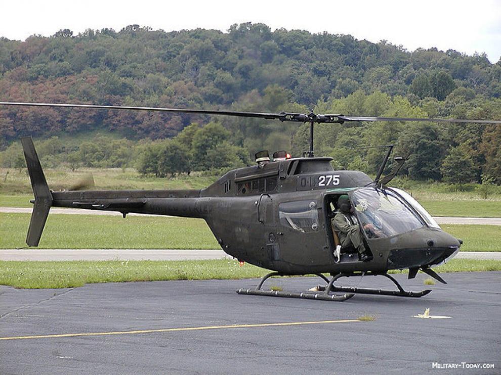 Un helicóptero similar al que será donado al IES Miralbueno.