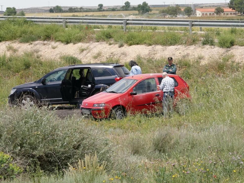 El coche que robaron los atracadores en Zaragoza ha aparecido este martes en Candasnos.