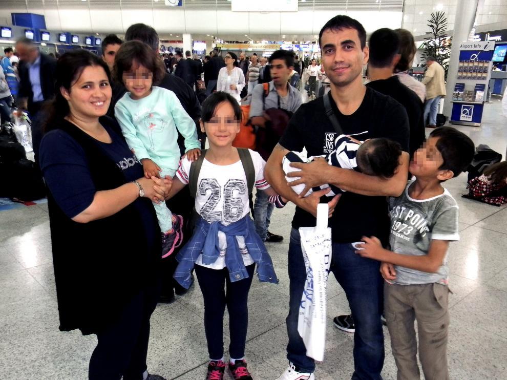 La familia kurda-iraquí que se ha instalado en Zaragoza.