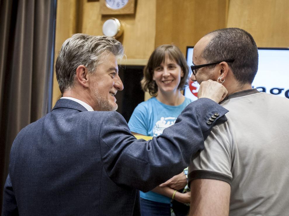 El alcalde Santisteve junto a los concejales Alberto Cubero y Teresa Artigas en una imagen de archivo.