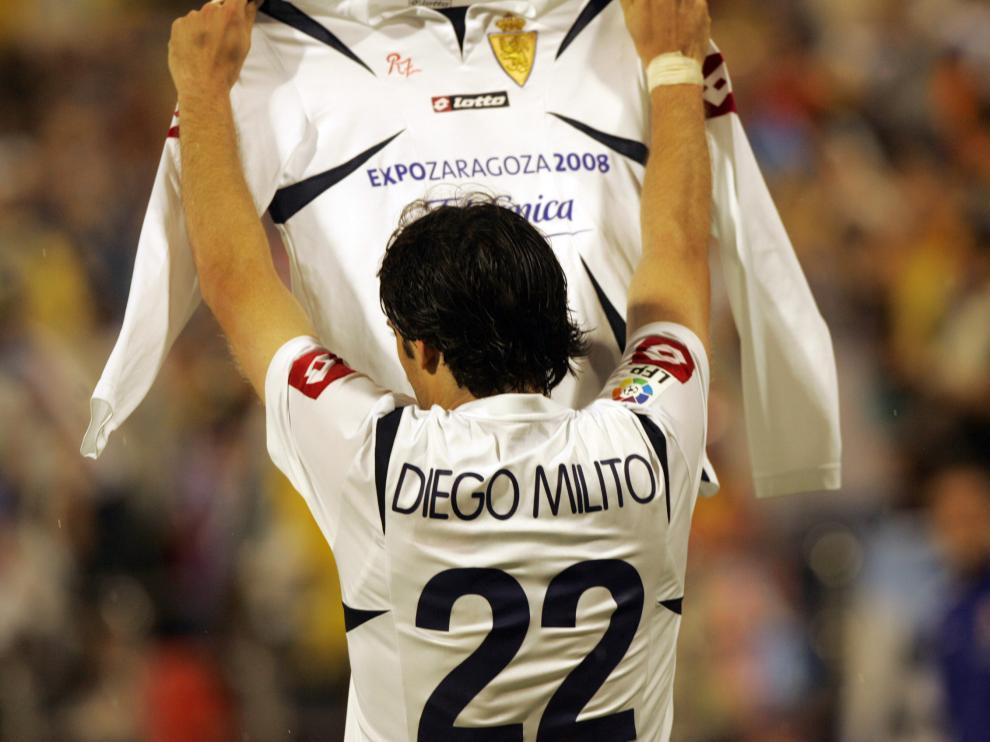 Diego Milito, durante un partido del Real Zaragoza