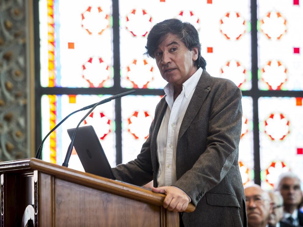 ?López Otín recuerda la importancia de la convergencia de saberes en el centenario de la Real Academia de Ciencias de Zaragoza.