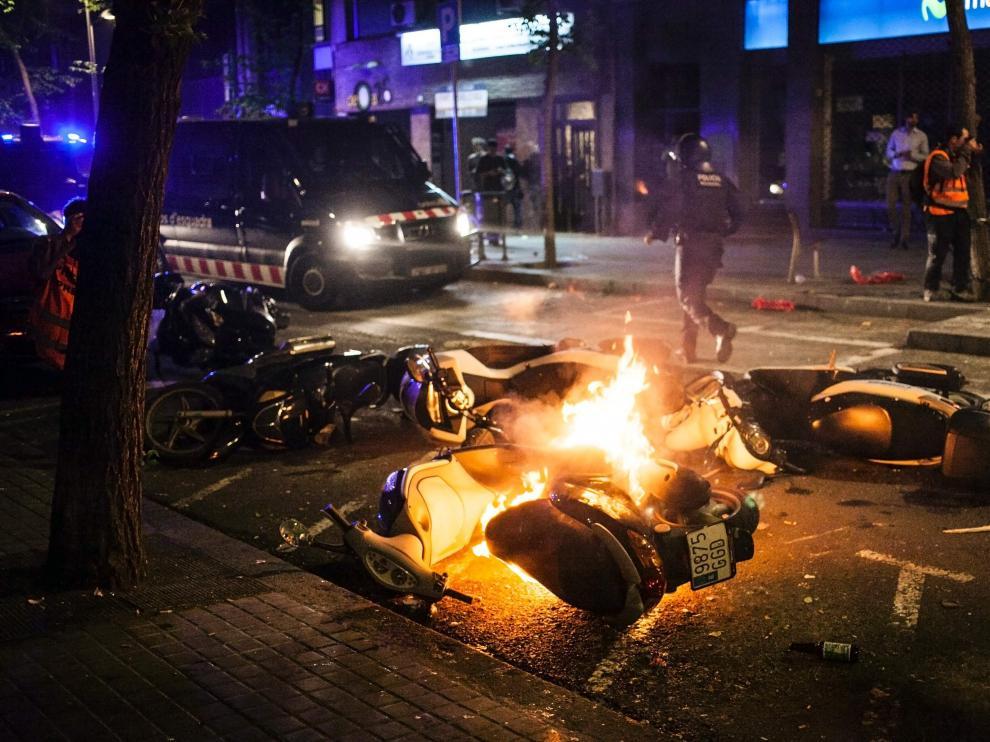 Disturbios en el barrio barcelonés de Gràcia.