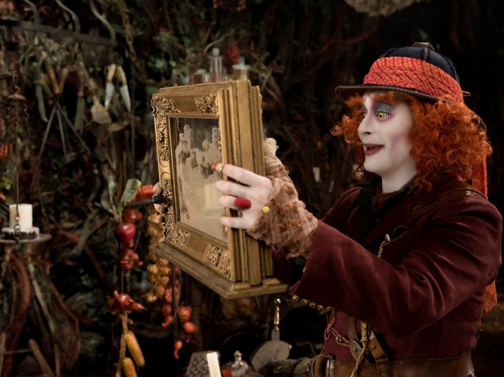 Imagen de la película 'Alicia a través del espejo', de Disney.