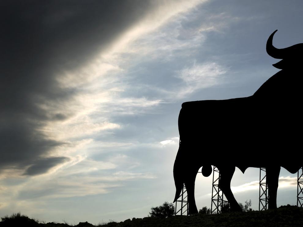 Imagen del toro de Osborne en Peñalba (Huesca).