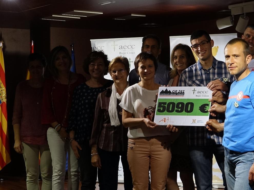 El dinero ha sido donado a la delegación de la Asociación Española Contra el Cáncer del Bajo Cinca.
