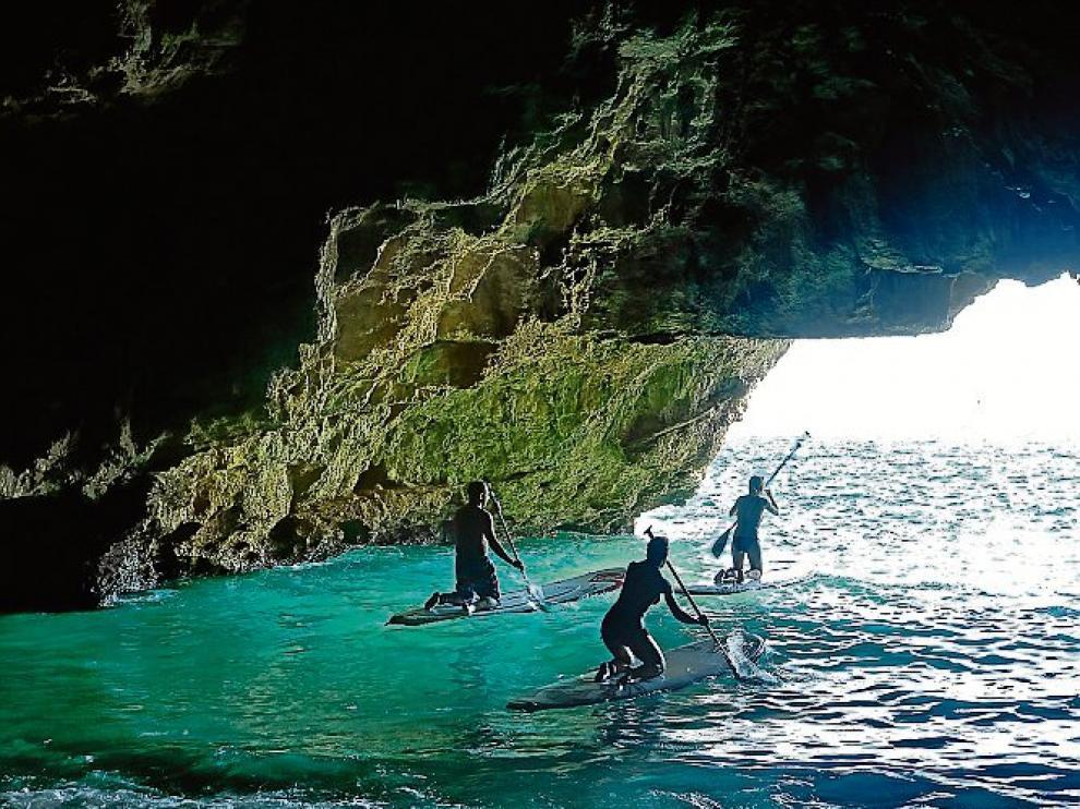El destino permite la práctica de diversos deportes acuáticos.