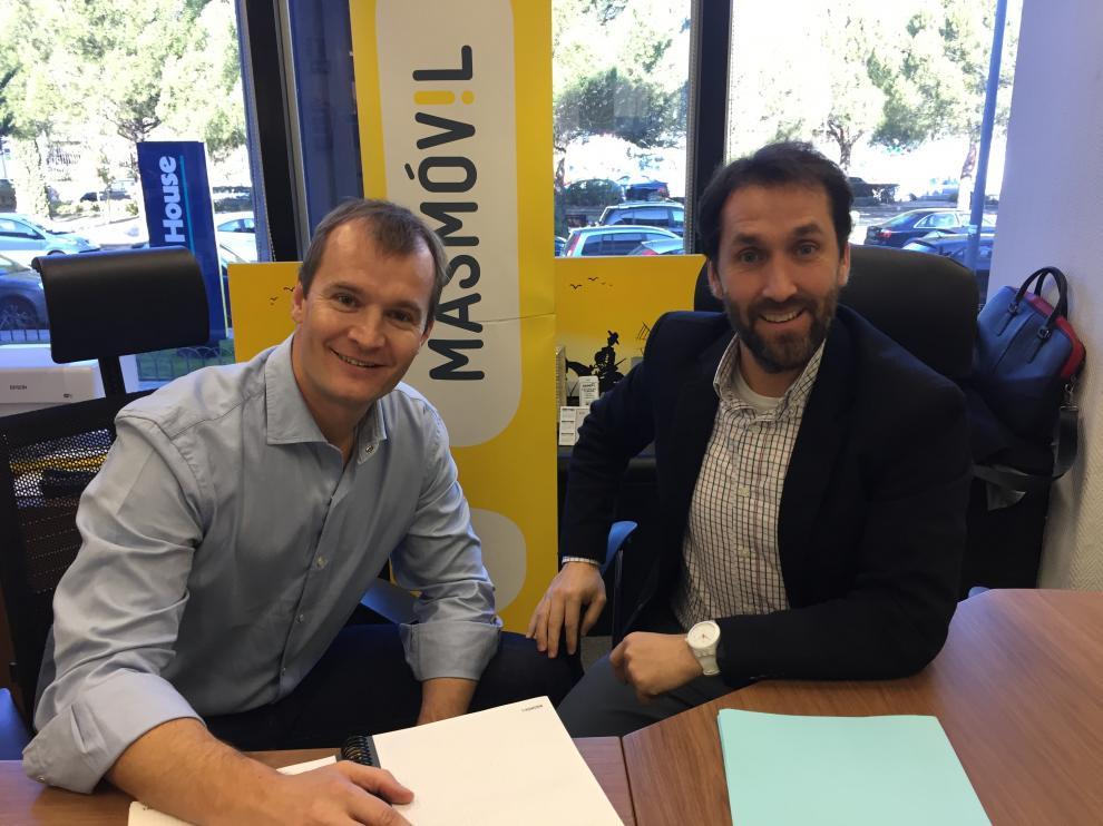 Meinrad Spenger (izda), CEO y Consejero Delegado del Grupo Másmóvil, junto a Jorge Blasco, CEO de Embou-Másmóvil.