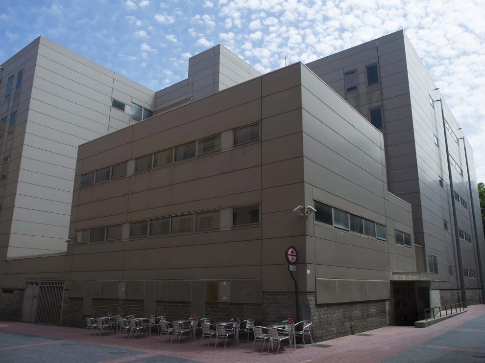 Vista de los bloques de los juzgados a los que la DGAquiere trasladar sus oficinas de tributos.