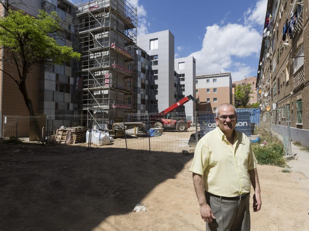 Toño Alejandre, ante el contraste del grupo Girón: el bloque de la izquierda se está reformando; el de la derecha sigue a la espera.