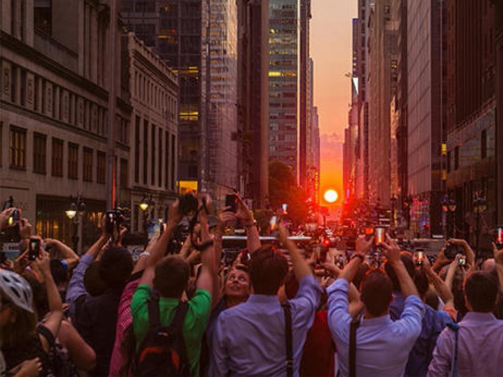 Imagen de la alineación del sol con la cuadrícula urbana de Nueva York