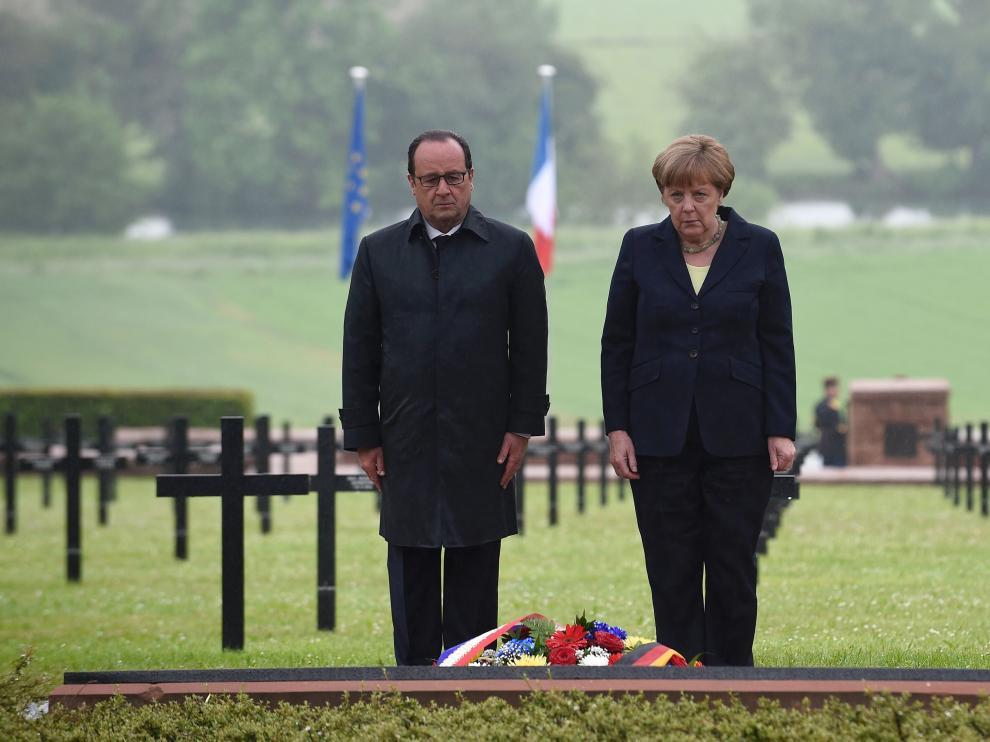 Angela Merkel y François Hollande, en Verdún