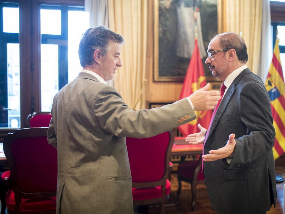 Santisteve y Lambán, en la reunión que mantuvieron en octubre del año pasado.