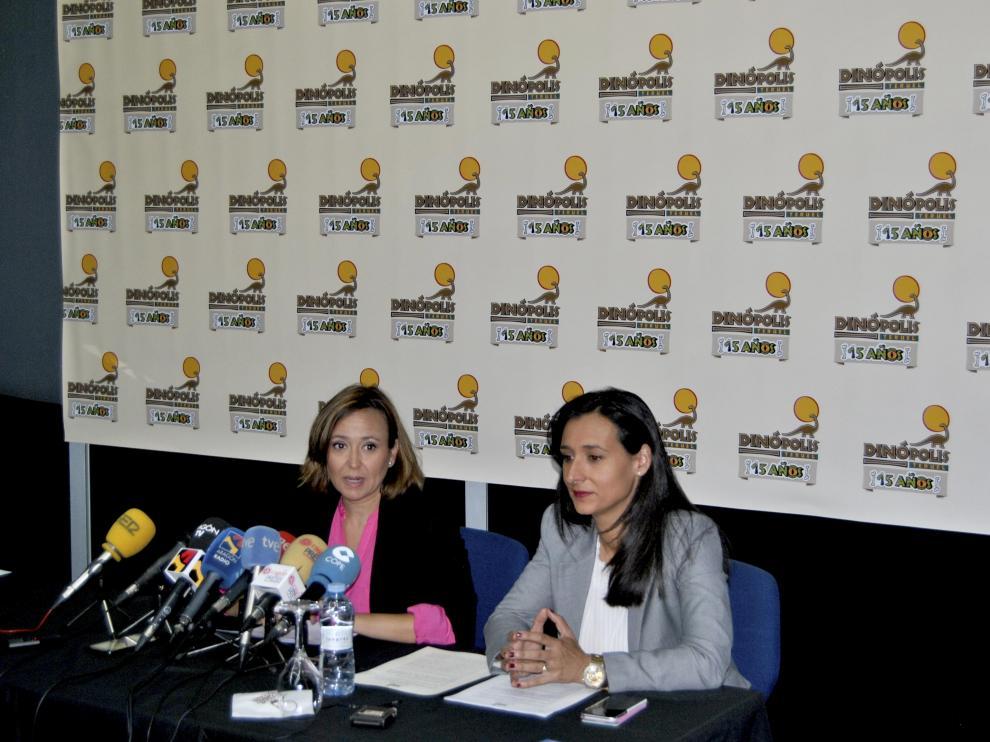 Presentación de las novedades con Higinia Navarro y Mayte Pérez.