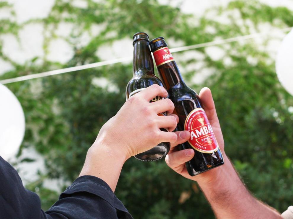 'Ambar Especial Lager', una de las más populares de La Zaragozana, ha sido la que ha logrado la mayor puntuación en el estudio de la OCU.