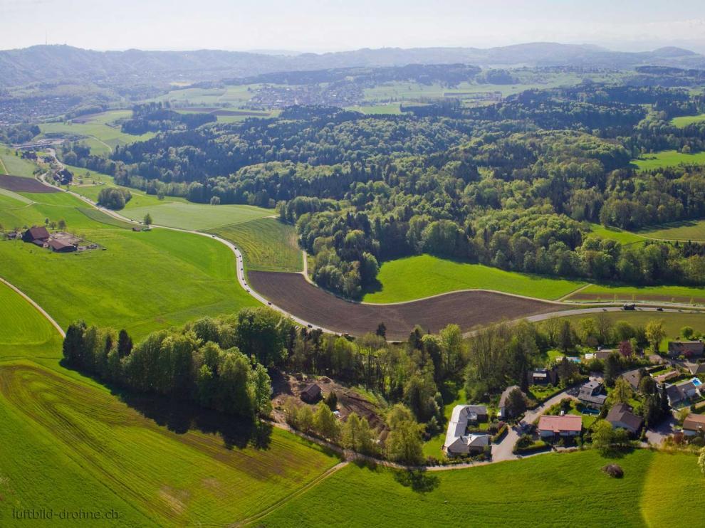 Imagen panorámica de la localidad suiza de Oberwil-Lieli.