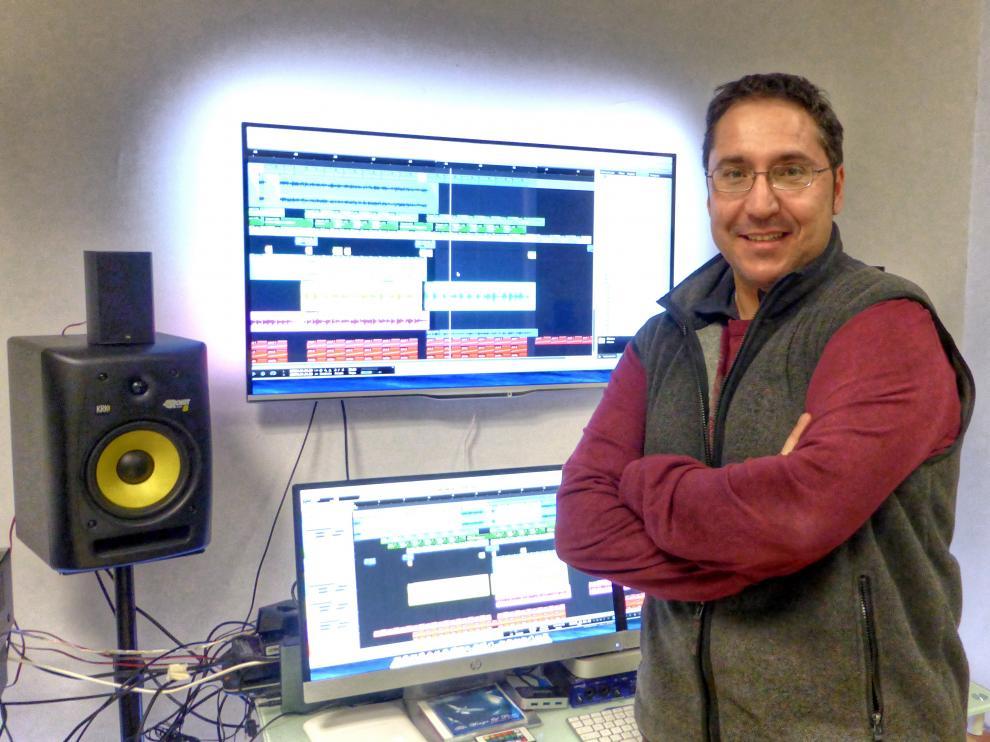 Juan Alarma, creador de 'Sleeping Baby Play', en su estudio.