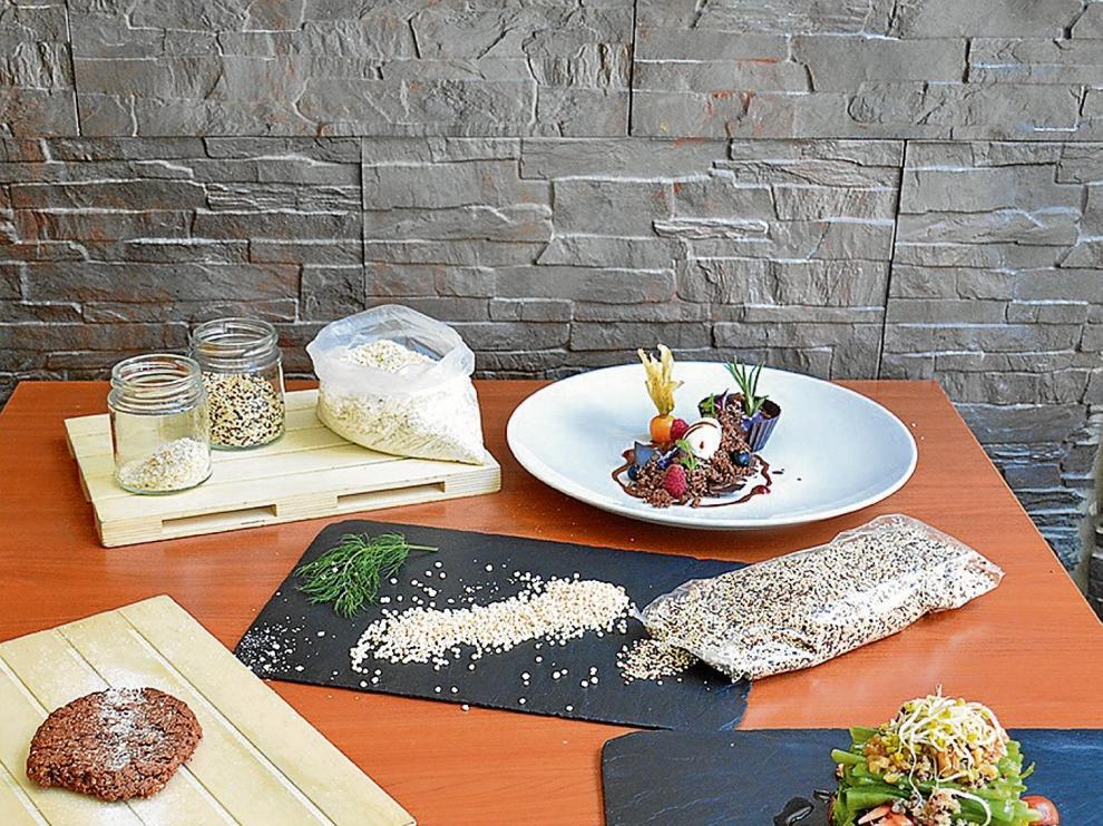 Quinoa en diversas presentaciones y platos que la integran en el restaurante La Quinoa, de Zaragoza.