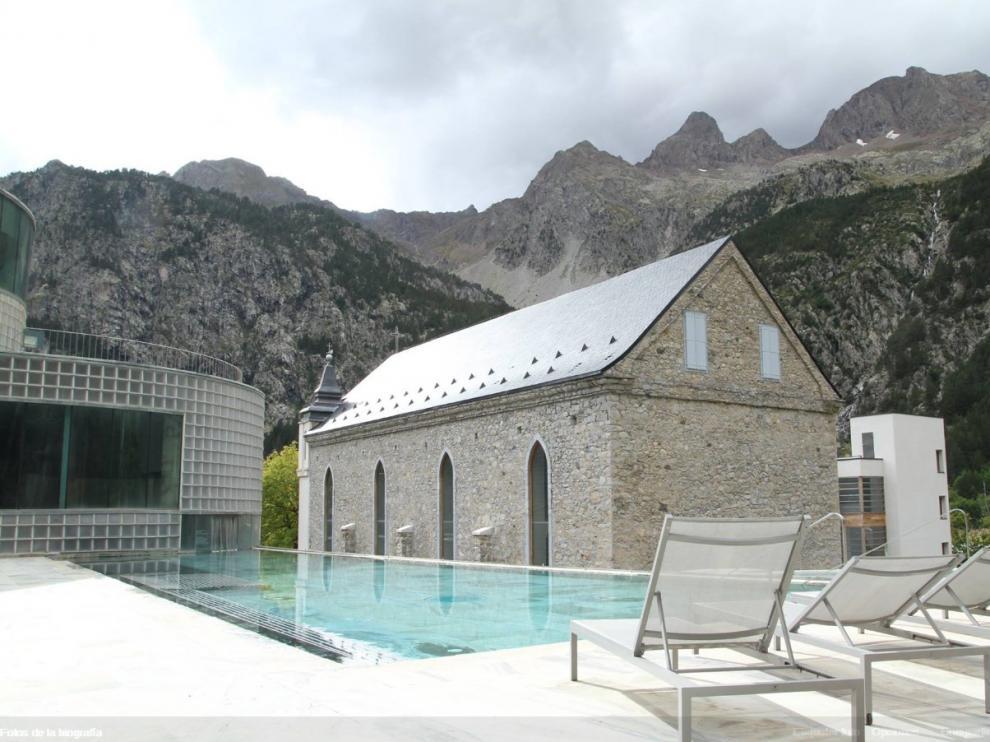 Imagen de una de las piscinas del Balneario de Panticosa.