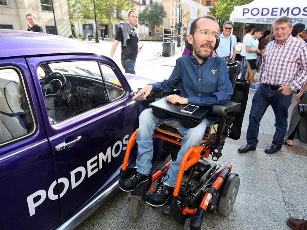 """El secretario de Organización de Podemos, Pablo Echenique, ha participado este miércoles en un encuentro con militantes de su formación en Soria, bajo el título """"Camino del desempate"""""""