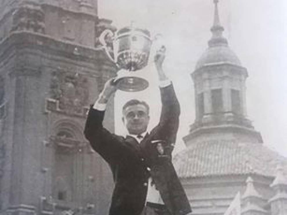 Celebración de la primera Copa del Real Zaragoza, en 1964