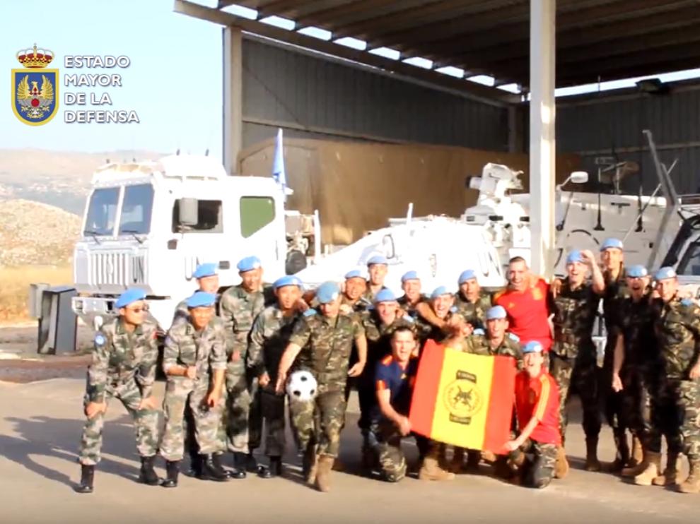 Escena del vídeo de apoyo de las Fuerzas Armadas a la Selección española ante la Eurocopa.