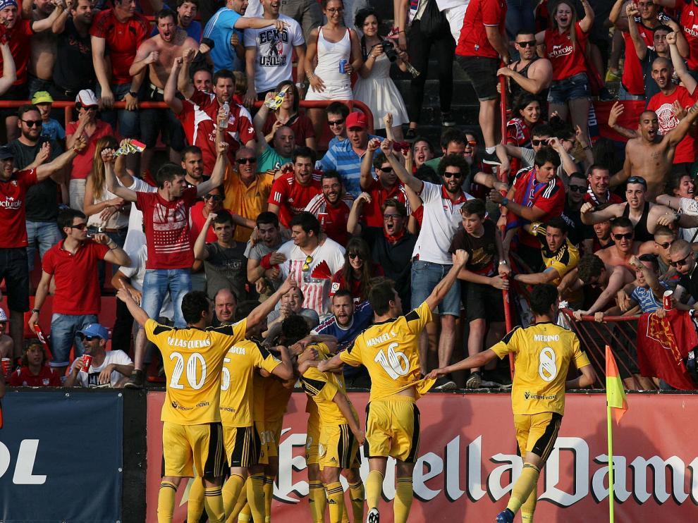 Los jugadores del Osasuna celebran uno de sus goles en Tarragona