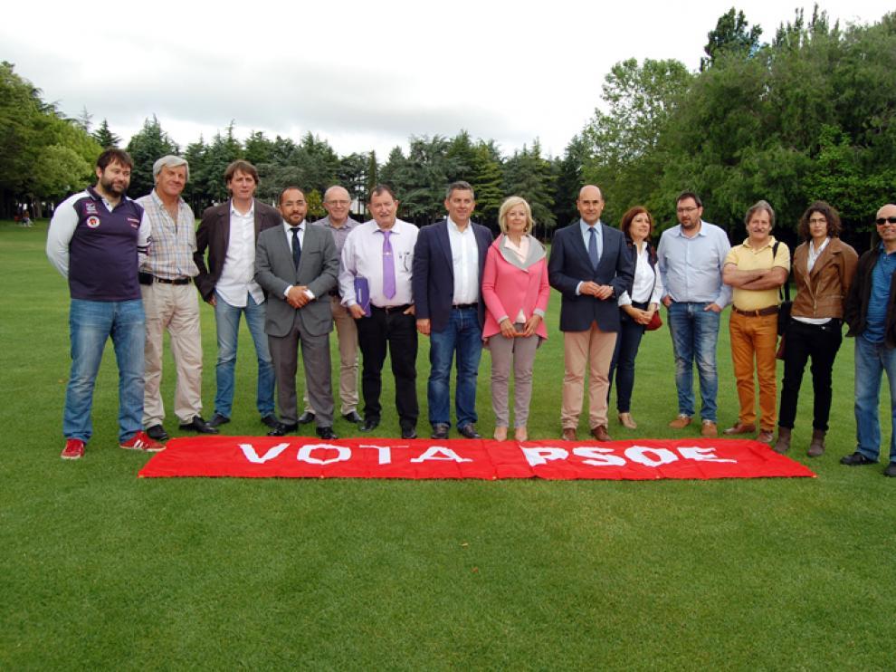 Fotografía de los 20 alcaldes del PSOE que se han reunido en la capital soriana.