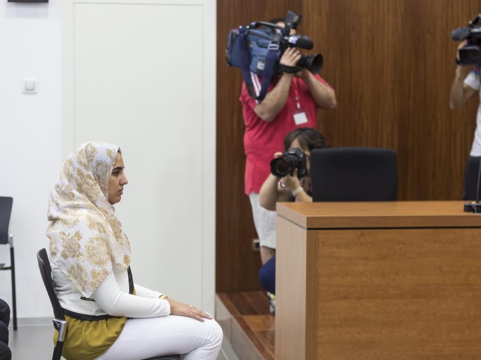 Juicio contra Ikram B., acusada de matar a dos de sus hijas.