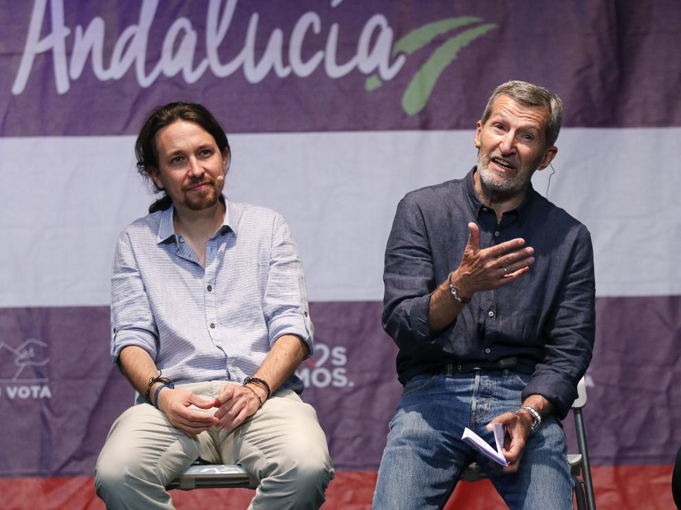 El líder de Podemos, Pablo Iglesias, y el exJemad, Julio Rodríguez.