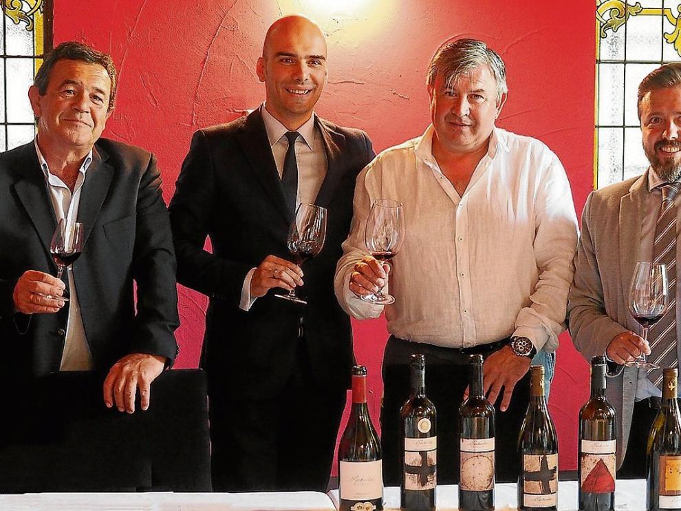 Javier Domeque, Javier Sierra, José Antonio Ruiz y Pedro Fatás, con la colección Particular.