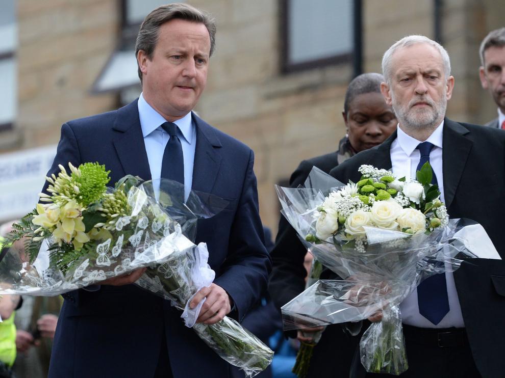 ?David Cameron y Jeremy Corbyn durante el homenaje a la diputada asesinada