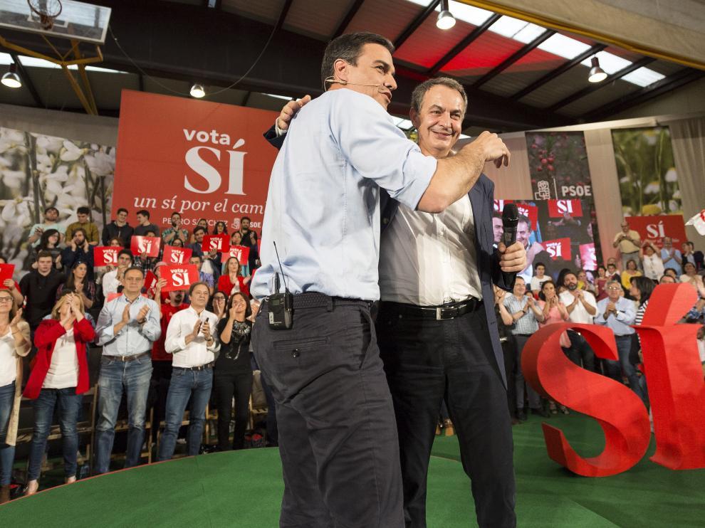 Pedro Sánchez y José Luis Rodríguez Zapatero en el mitin de Valladolid.