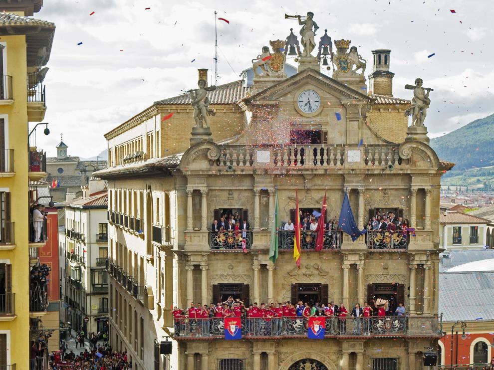 Pamplona celebra como si se tratase de San Fermín el ascenso del Osasuna