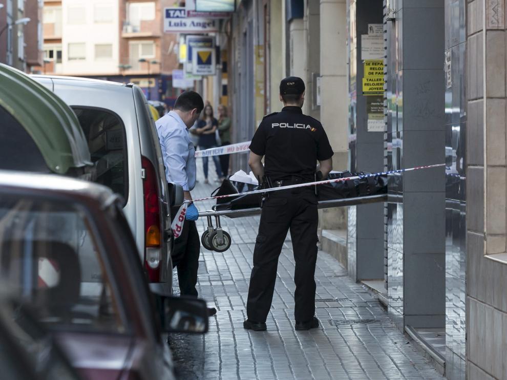 El cuerpo sin vida fue trasladado al Instituto de Medicina Legal de Aragón a las 21.00.