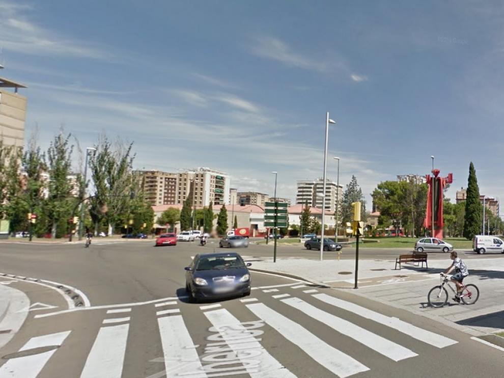 Imagen de la rotonda de Toulouse de Zaragoza.