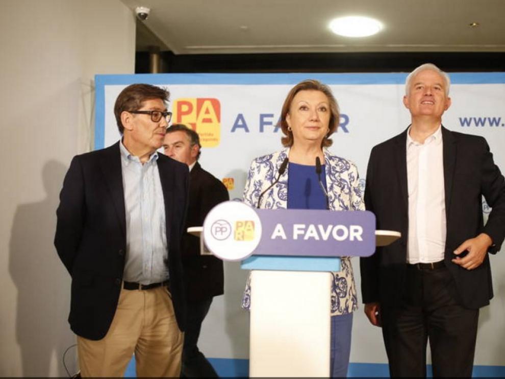 Aliaga, Rudi y Suárez celebran la victoria electoral