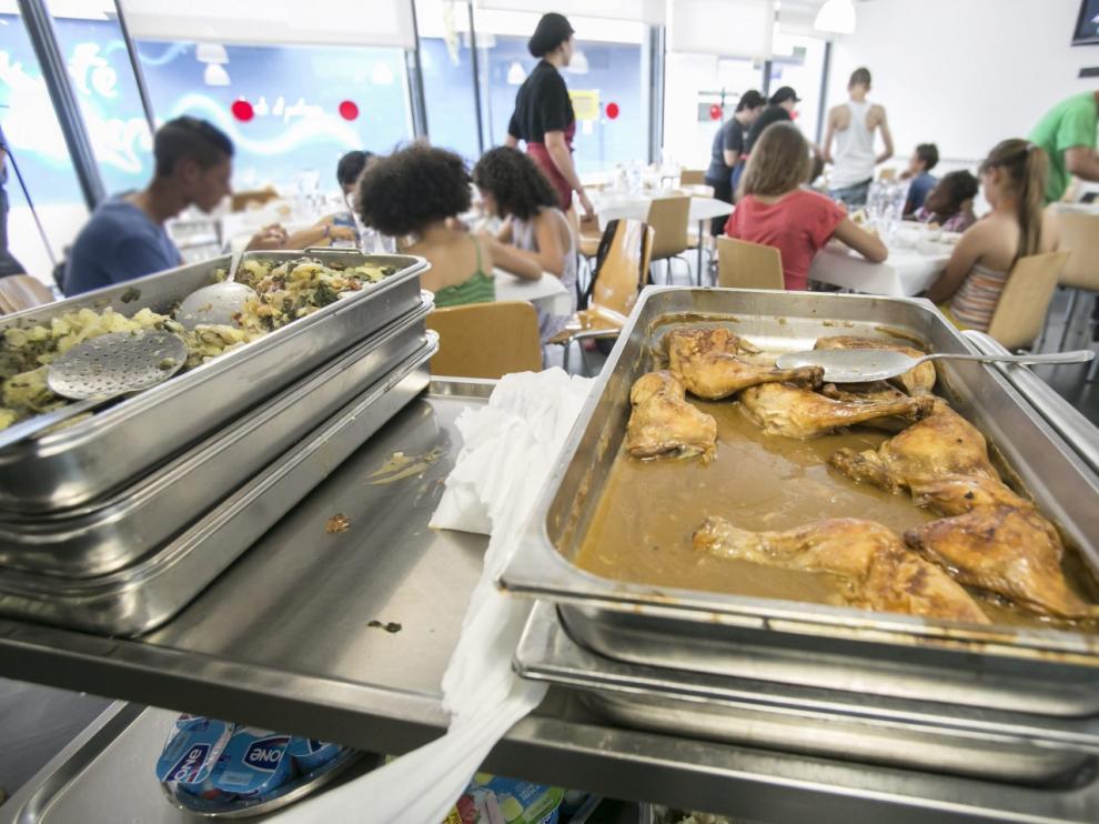 Educación abona por fin las becas de comedor estivales a casi el 80 ...