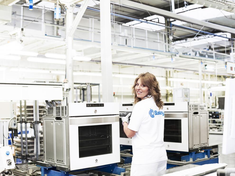 Fábrica de hornos de BSH Electrodomésticos España, en Montañana (Zaragoza).
